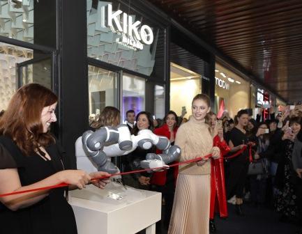 Apre a Milano il nuovo KikoiD Il più grande, il più innovativo