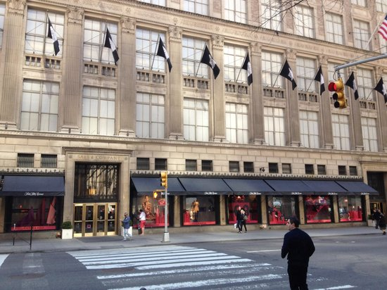 Saks Fifth Avenue investe in bellezza