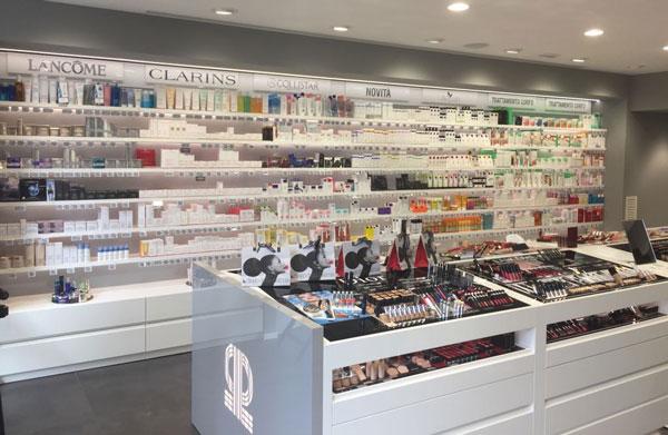 Pinalli rileva 12 negozi da Douglas