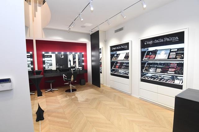 Nuovo Makeupstudio per Diego dalla Palma Milano