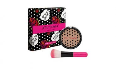Betsey Johnson debutta nel make-up