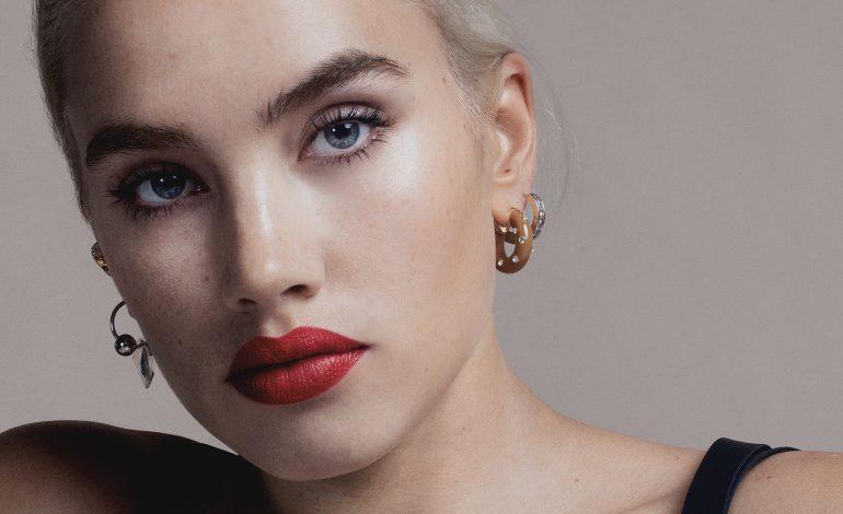Isamaya Ffrench è global beauty director di Burberry