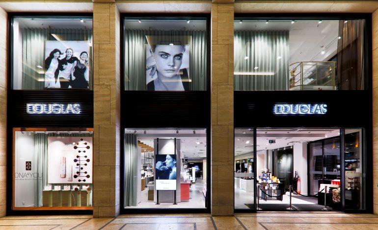 Douglas Italia abbassa la saracinesca a 128 store