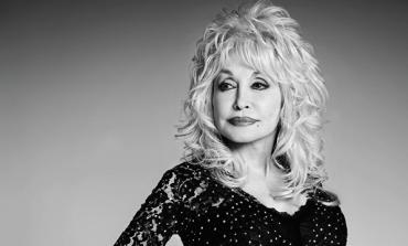 Dolly Parton si profuma con Edge Beauty